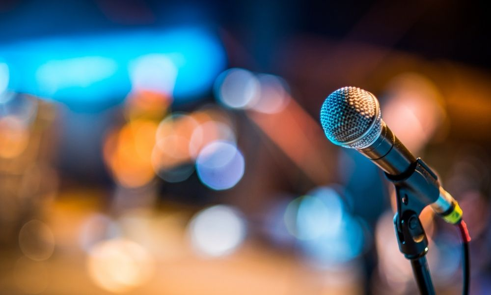 Pickups vs. Microphones: What's the Difference?